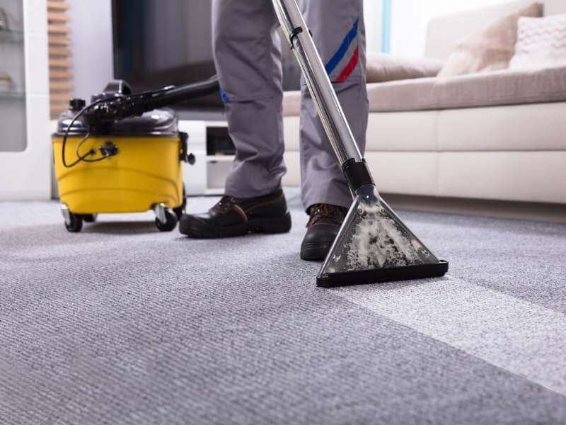 Advantages Of Selecting Professionals To Apparent Your Carpet
