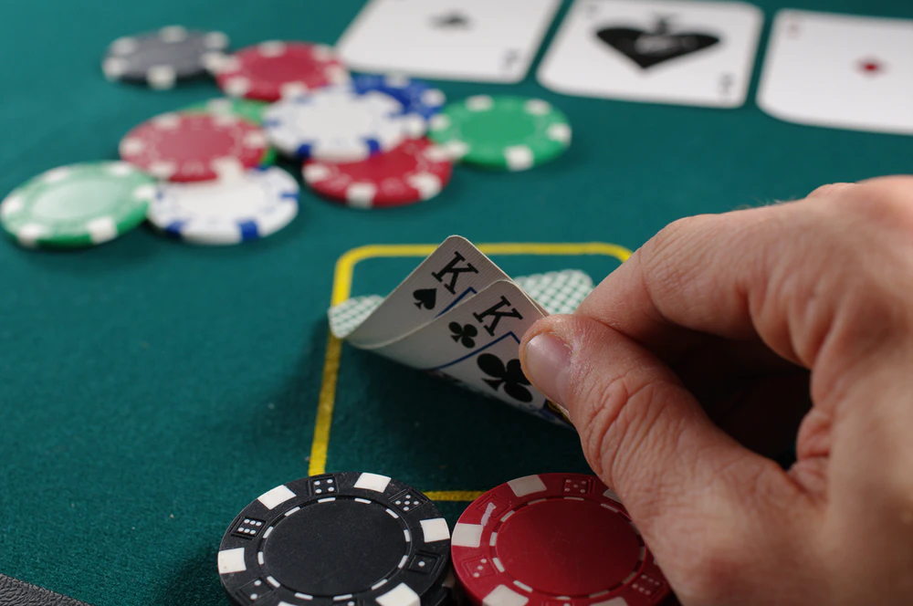Win Exciting Prizes From Playing Your Casino Favourites
